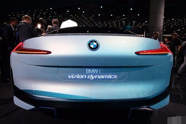 宝马即将发布一款全新电动车,可能会被命名为i4!